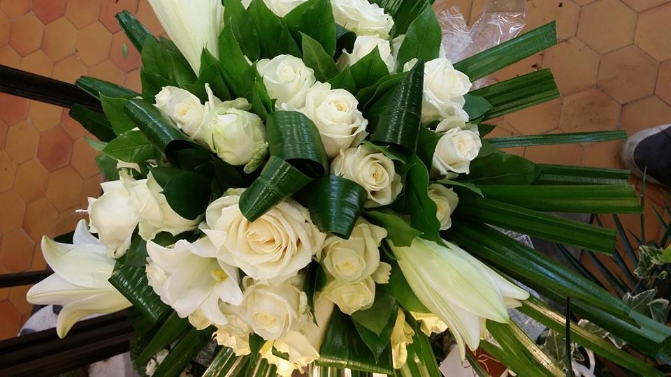 le bouquet lys et roses blanches: une valeur sure