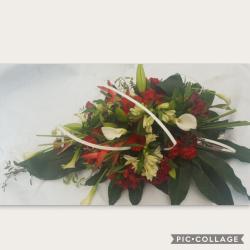 Gerbe a la main deuil enterrement by Hé fleur et moi fleuriste Valenciennes