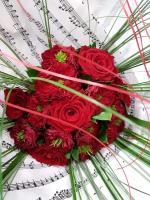 Bouquet de roses rouges special saint Valentin à commander chez hé fleur et moi fleuriste de