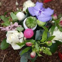 Composition de fleurs ronde 26€ Hé fleur et moi fleuriste de Valenciennes