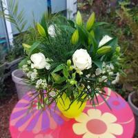 Bouquet lys et bulle d'eau 35€ Hé fleur et moi fleuriste de Valenciennes bouquet