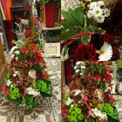Deuil Dernier hommage coussin conique moderne tout en blanc by Hé fleur et moi #fleuriste #valenciennes #phalenopsis #deuil #fleur #dernierhommage #lequesnoy #saintamand #denain