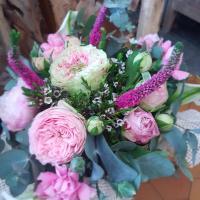 Bouquet rose idee cadeau fête des mères Hé fleur et moi fleuriste de Valenciennes bouquet