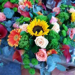 Bouquet de fleurs soleil soleil  chez hé fleur et moi fleuriste de Valenciennes bouquet