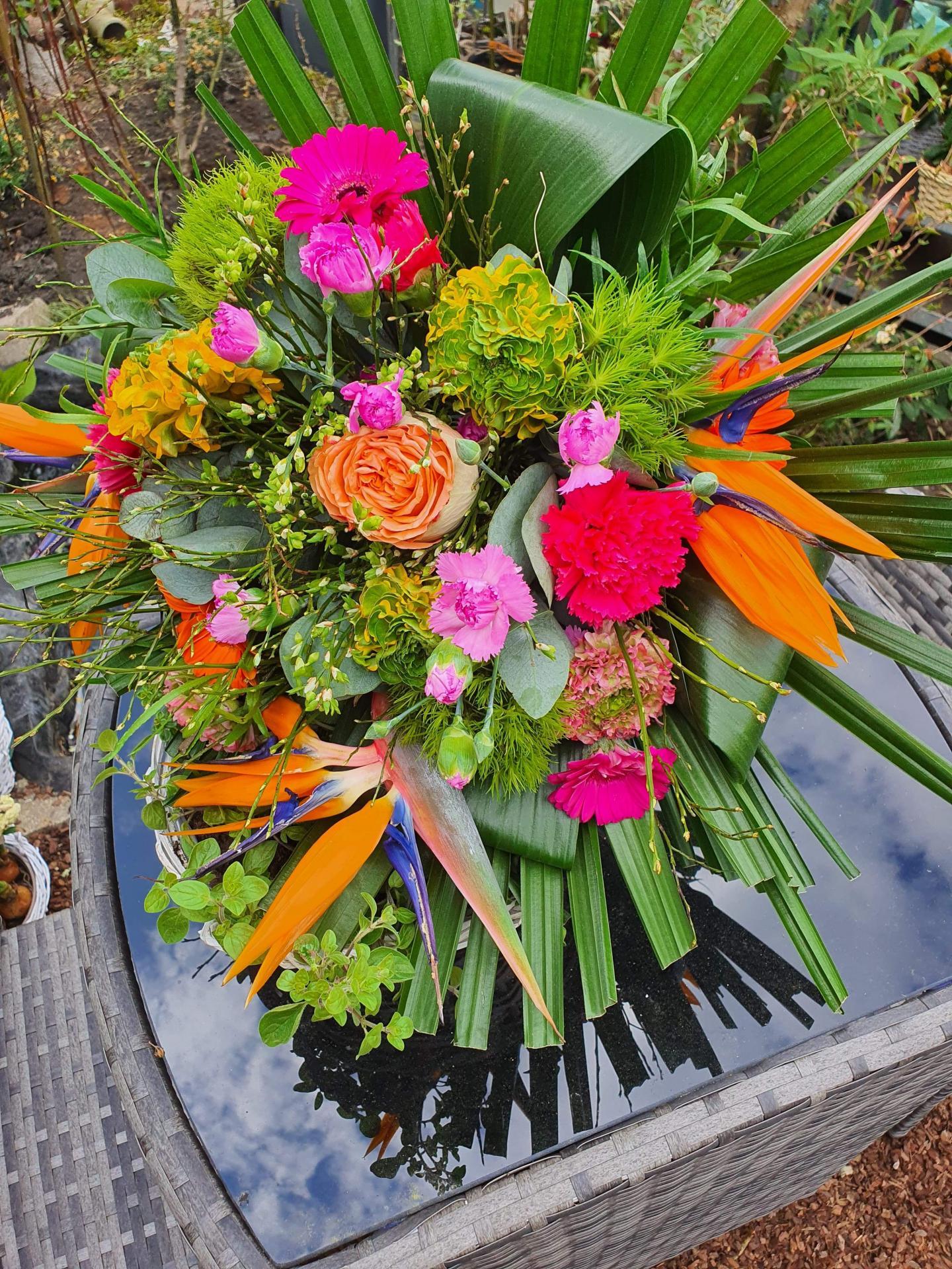 Bouquet de fleurs coloré  chez hé fleur et moi fleuriste de Valenciennes